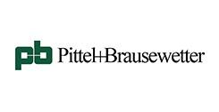 Buchstaben pb in grün; schwarzer Schriftzug Pittel+Brausewetter auf weißem Hintergrund