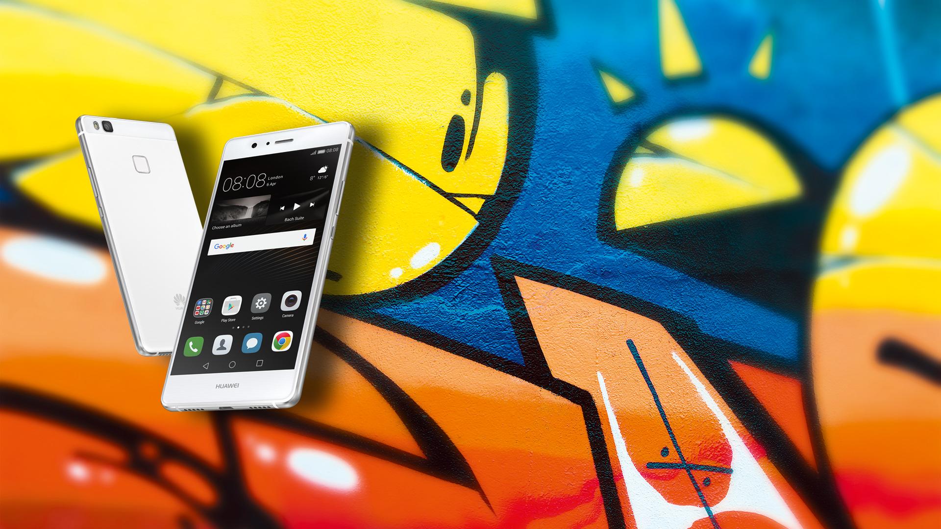 Huawei P9 Lite vor Graffiti-Wand