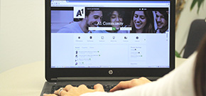 Laptop mit geöffneter A1 Community-Seite